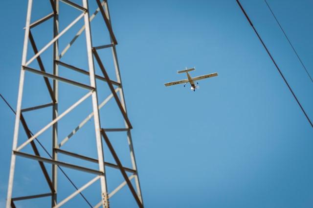 CEMIG testa VANT para inspeção de linhas de transmissão.