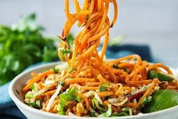 Sweet Potato Chicken Pad Thai Recipe (Paleo - Whole30) #healthyrecipe #glutenfree #paleo #chicken #chickenrecipe