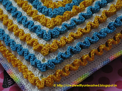 Crochet wiggles square cushion 6