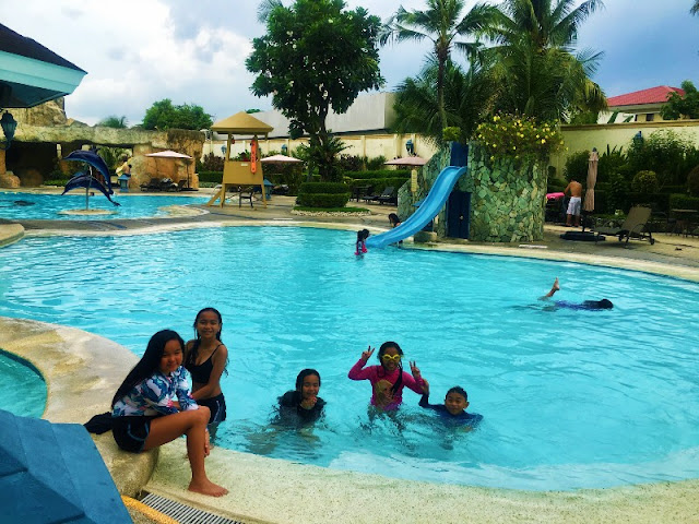 Waterfront Cebu City Hotel Swimming Pool