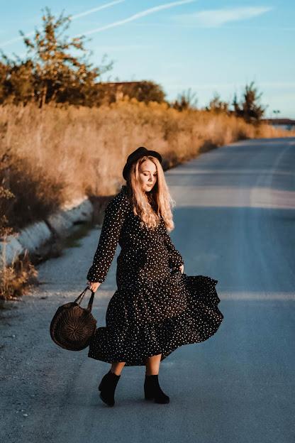 Rochie neagră buline Bonprix