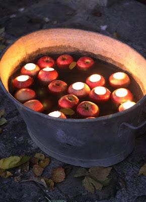 Tradição das maçãs, Wicca, Samhain
