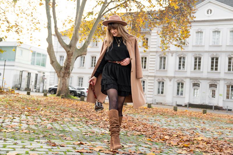 idée look simple petite robe noire