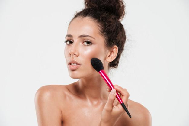 Blush: um item versátil e essencial para arrasar na maquiagem