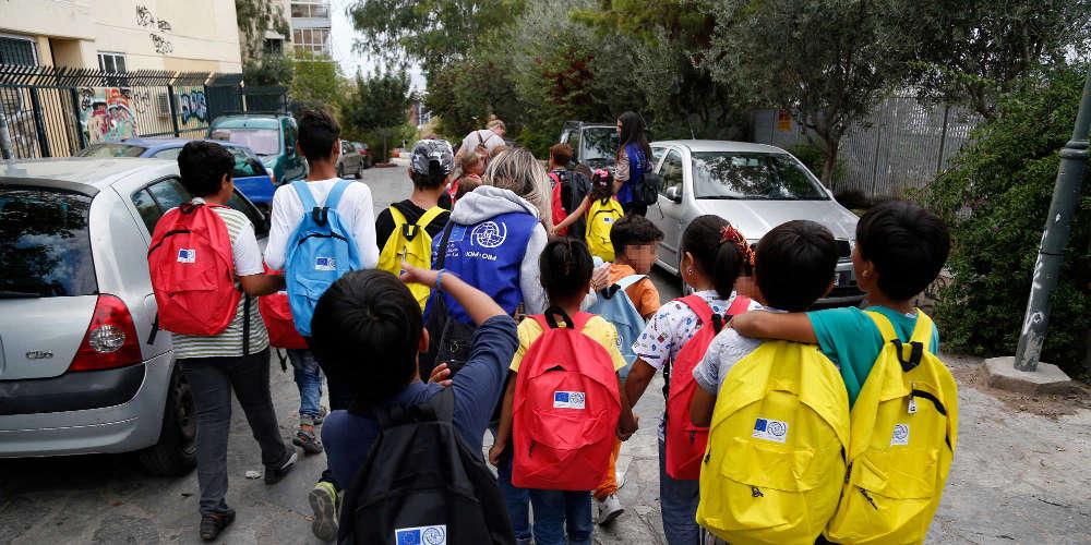 Δεν στέλνουν τα παιδιά τους σχολείο γιατί κάνουν μάθημα και προσφυγόπουλα στα Γρεβενά