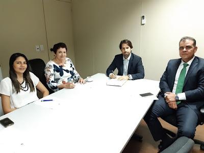 Prefeita de Piranhas anuncia realização de concurso público no município