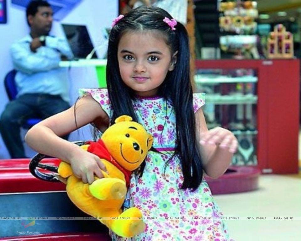 Foto Ruhanika Dhawan_Pemeran Ruhi Raman Bhalla_Serial Mohabbatein ANTV_Cantik Imut Cerdas_dua lima