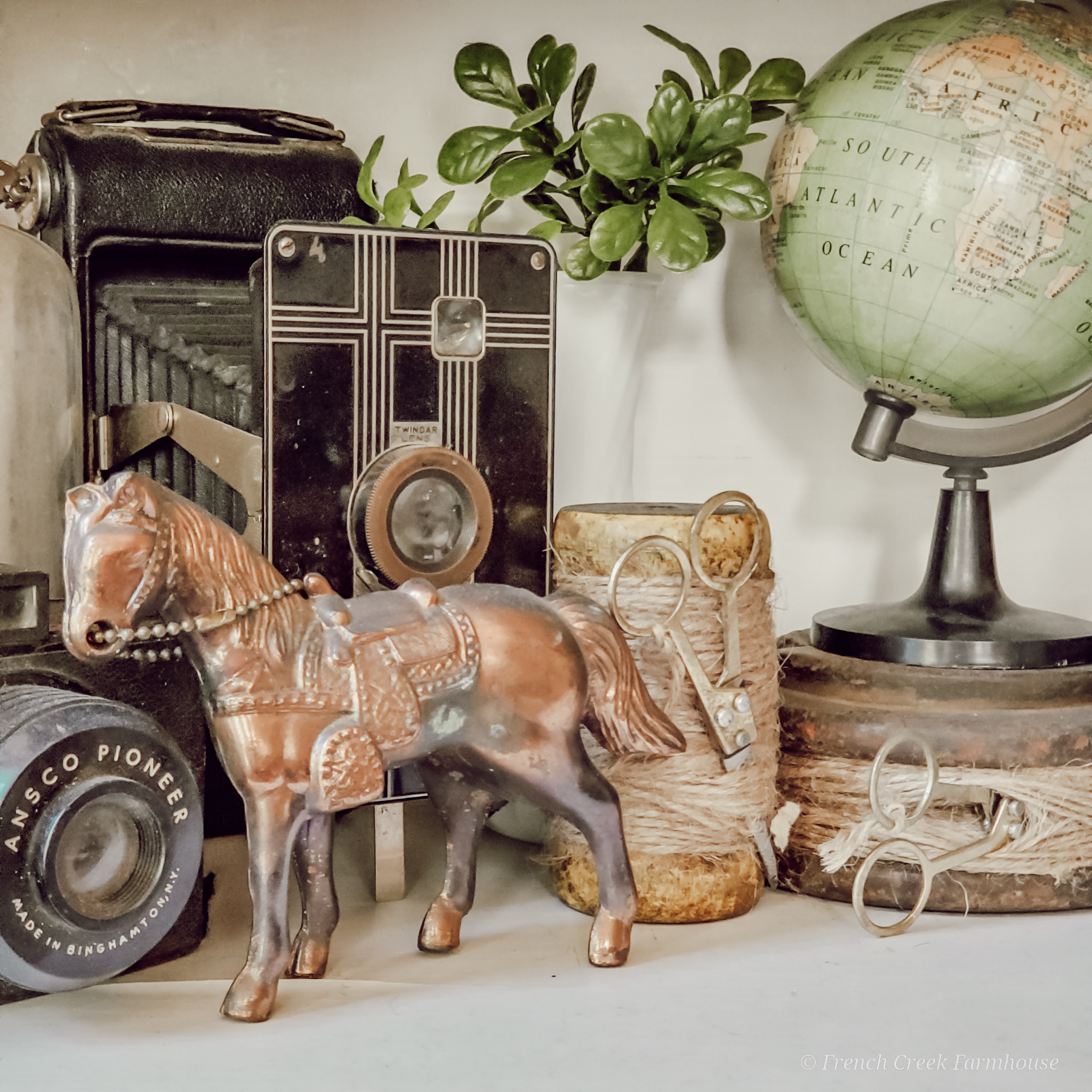 Take a look at this amazing collection of vintage finds that you can shop from home