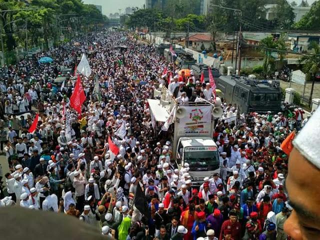 Aksi Bela Islam Tuntut Polisi Tidak Tebang Pilih, Giliran Penista Agama Diminta Damai