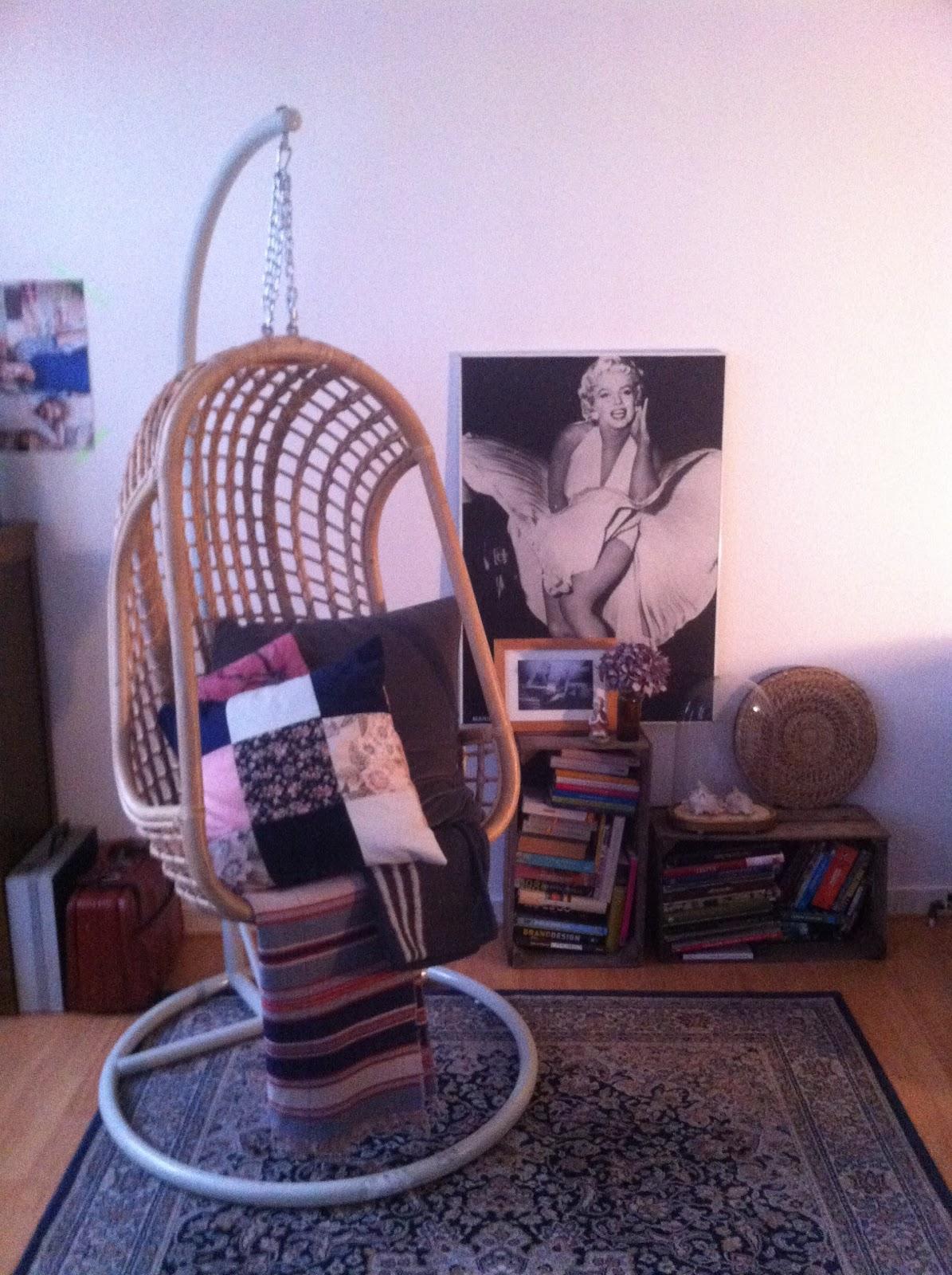 Egg Chair Met Standaard.Vintage Finds