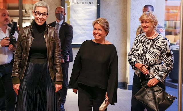 Grand Duchess Maria Teresa attended the Luxembourg Theatre Awards and the Luxembourg Dance Award. Elisabeth Schilling