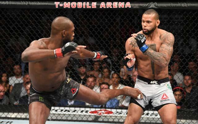 Jon Jones vence Marreta em decisão dividida, mas segue imbatível no UFC