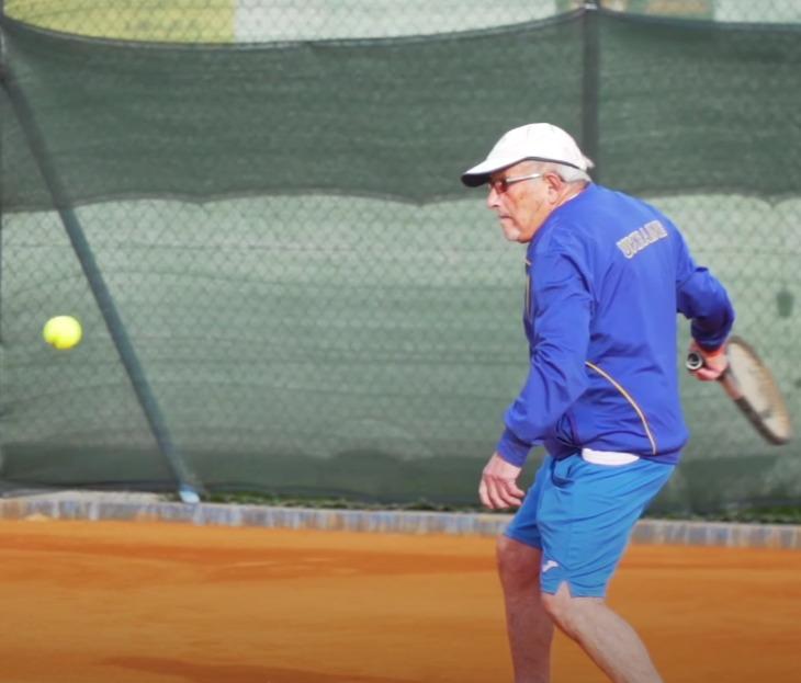Abuelo ucraniano de 97 años es el tenista más longevo