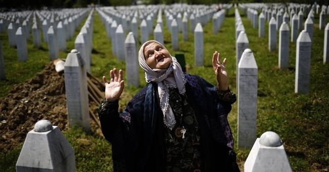 #Sebrenica #Genocid #Laž #Sbi #Bosna #Hercegovina #Stefan_Karganović