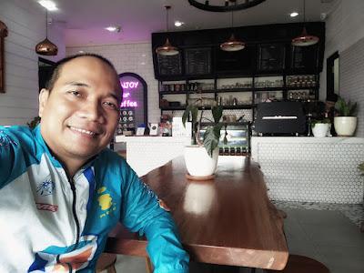 Menikmati kopi di Lano Coffee Tasikmalaya