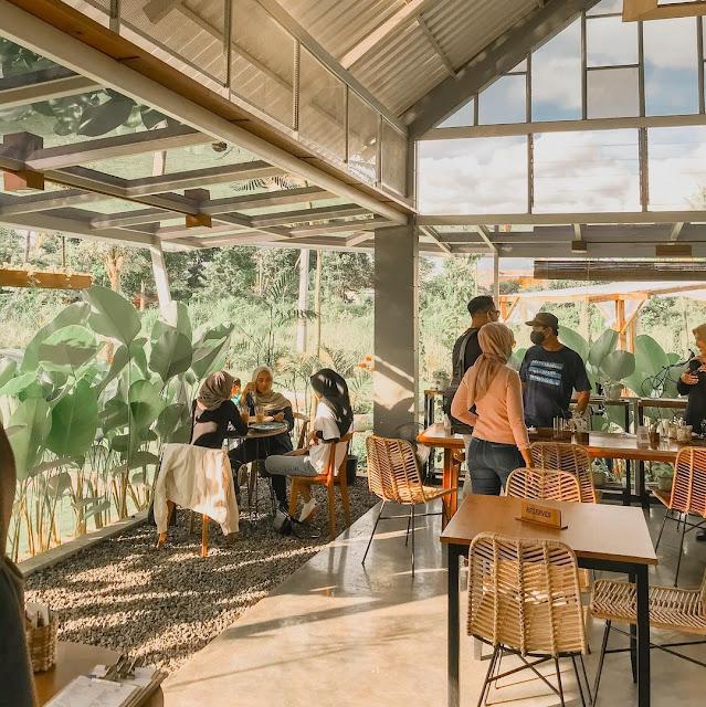 Pengilon Cafe Jogja