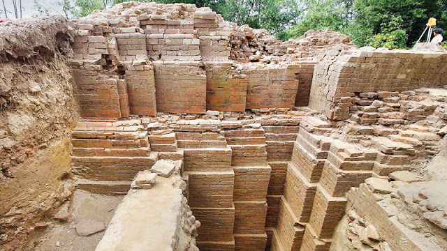 1,000-year-old Hindu temple excavated in Bangladesh
