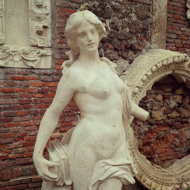 A beautiful statue in the courtyard of Teatro Olimpico in Vicenza