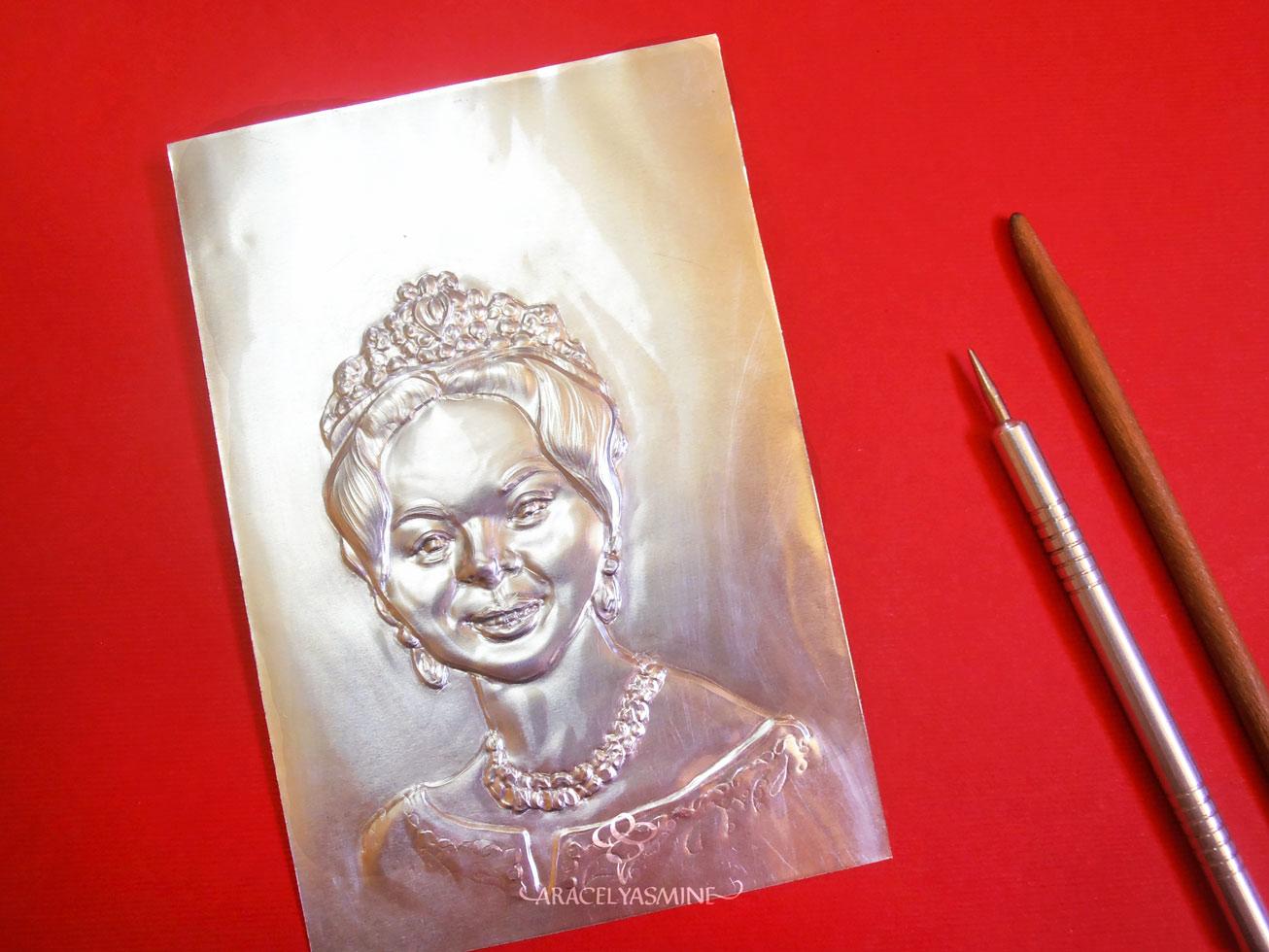 Repujado en aluminio - los pasos que sigo para repujar un rostro