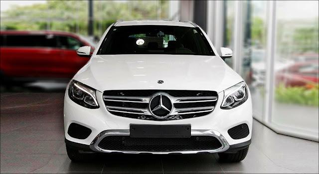 Đầu xe Mercedes GLC 200 2019 được thiết kế trẻ trung và lôi cuốn