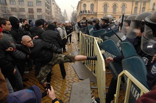 Извънреден брифинг на столичната полиция с призив към всички