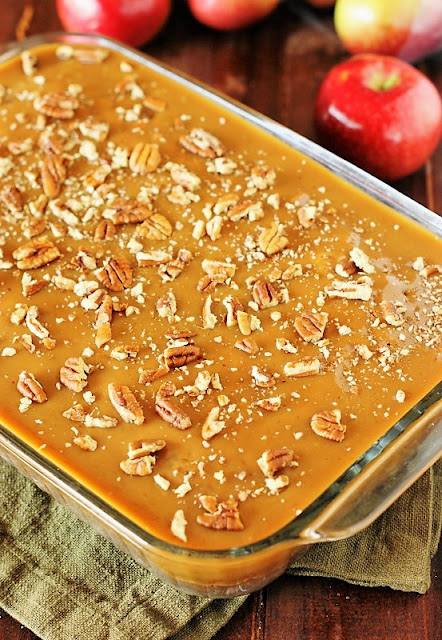 Old-Fashioned Apple Cake with Boiled Caramel Topping Image