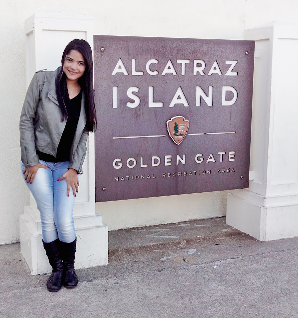 placa escrita alcatraz island