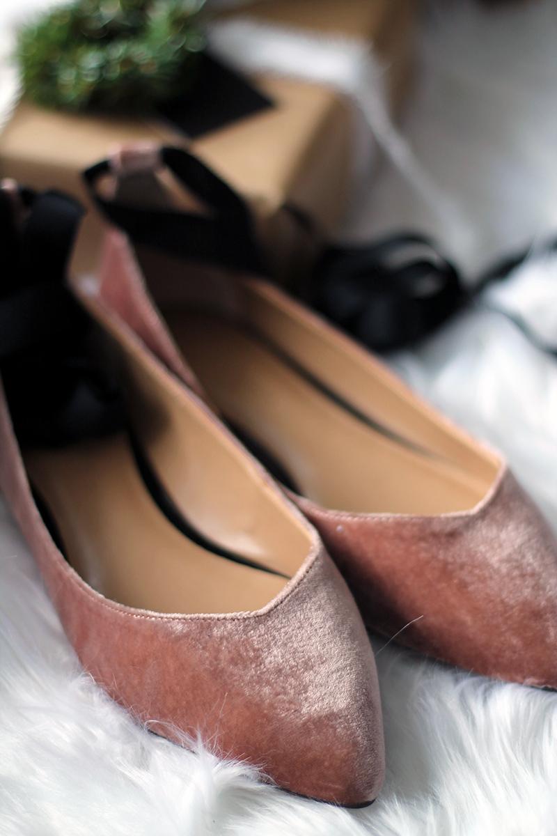 0e13af8e102 Banana Republic Demi Loafers (I d size down 1 2 a size)
