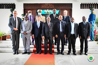 Le nouvel Ambassadeur de France reçu par le président Azali