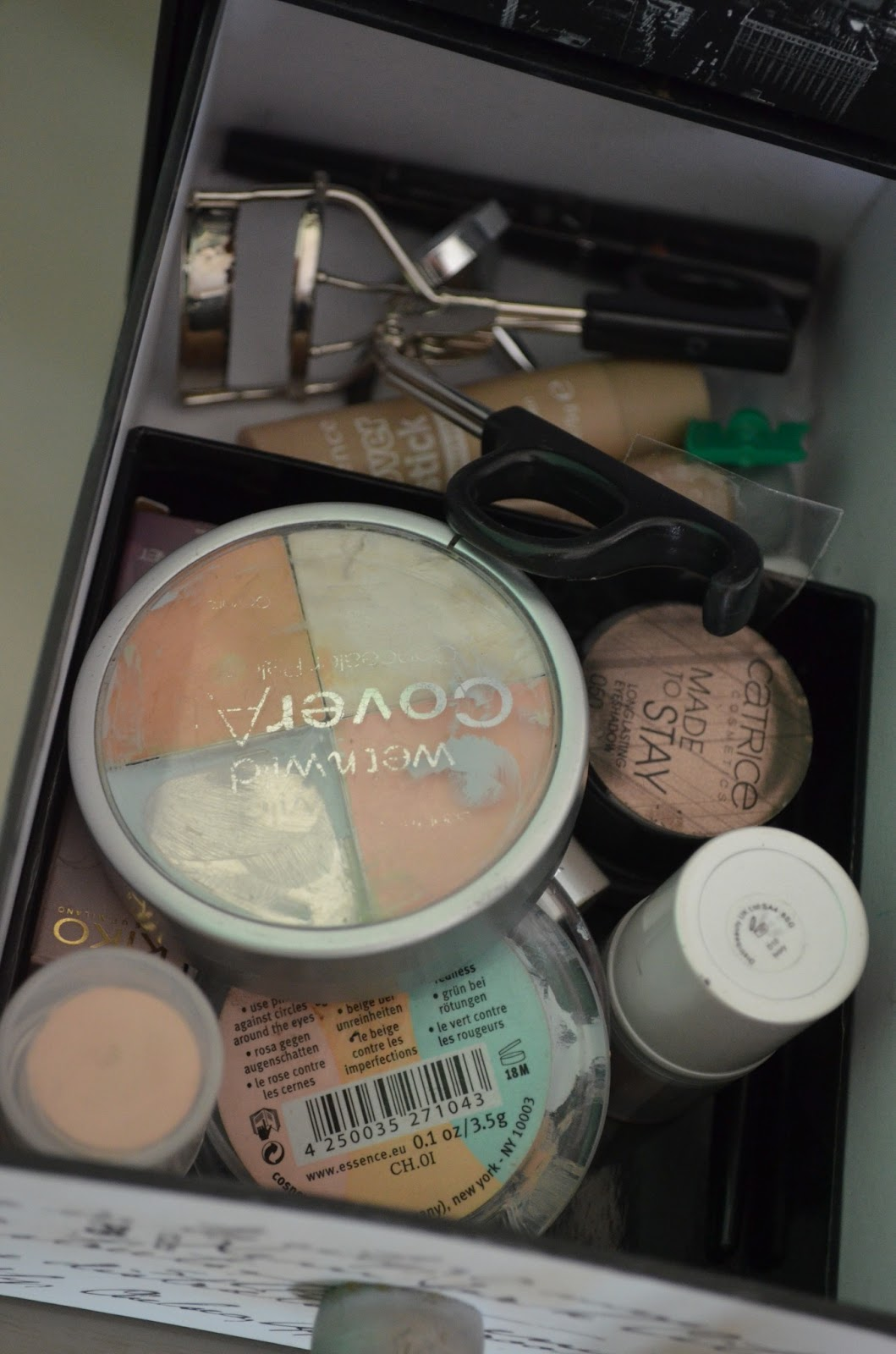 Mascaras and Cupcakes: My make-up collection..