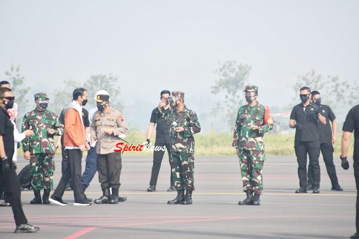 Pangkoopsau II  Sambut Kedatangan Presiden RI Ir.H. Joko Widodo di Lanud Jenderal Besar Soedirman