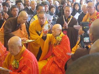 余江強: 香港最新寺廟圓明寺