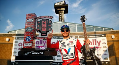 Kyle Larson Pours It On, Wins Cup Series' First Race at Nashville Superspeedway