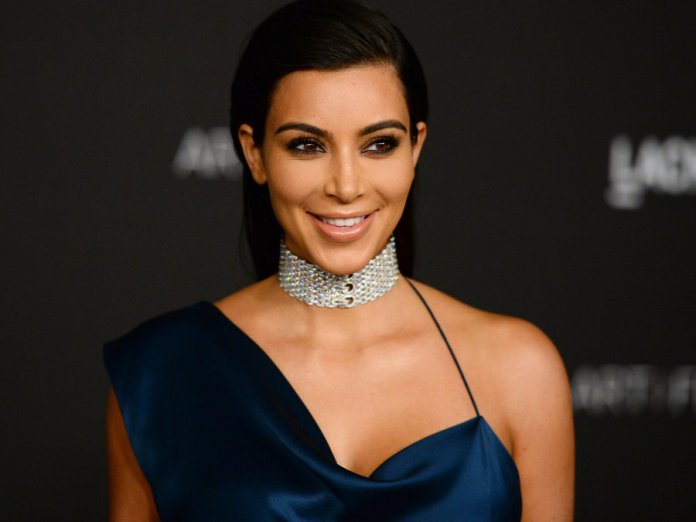 Uneditted picture of Kim Kardashian surfaces - VERY HoT 1 2