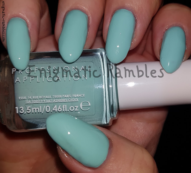 Swatch-Essie-Mint-Candy-Apple