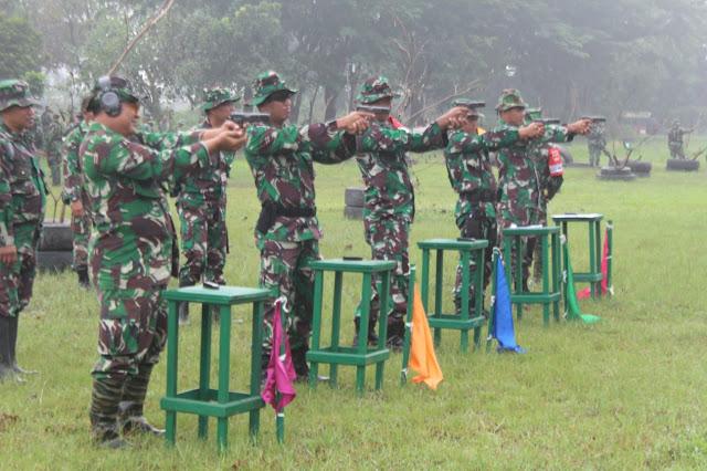 KodimKaranganyar - Dandim Asah Kemampuan, Prajurit  Berlatih Menembak
