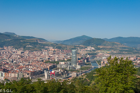 Vista de Bilbao. Bilbao, la ria y sus puentes