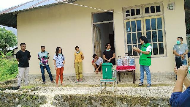 Kepala Dinas kesehatan Kabupaten Maluku Tenggara dr. Katrinje Notanubun saat mengunjungi tempat karantina di Ohio sathean