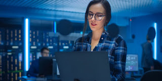 The Top 15 Women in Cybersecurity and InfoSec .