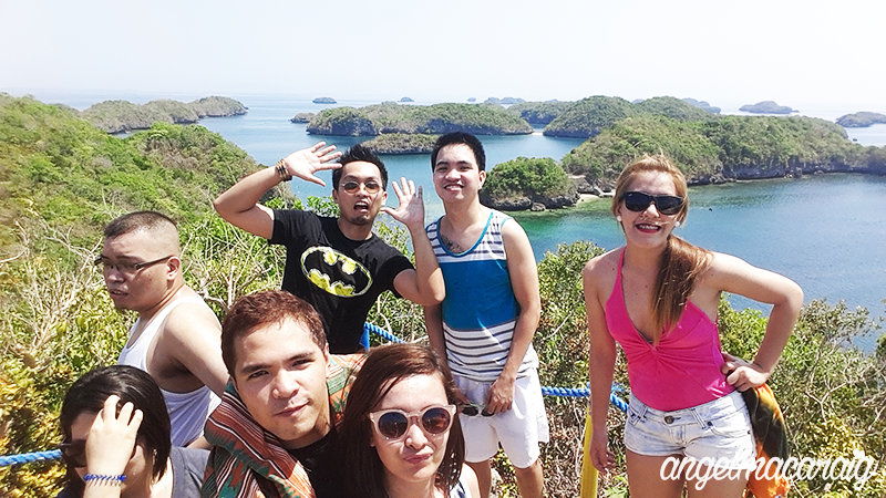 Picture with Hundred Islands