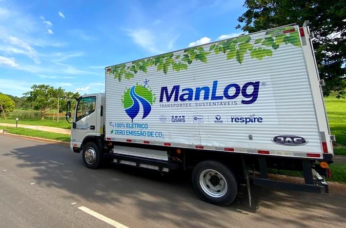 Manlog Transportes investe em veículos 100% elétricos e se destaca como pioneira do segmento sustentável no Brasil