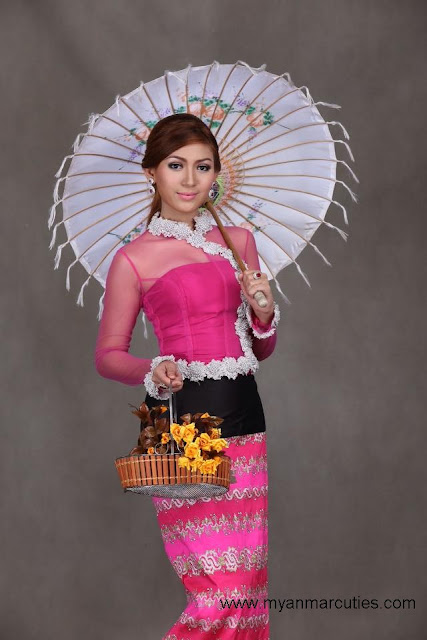 Waist No:16- Yoon Mhi Mhi Kyaw with pathein umbrella fashion