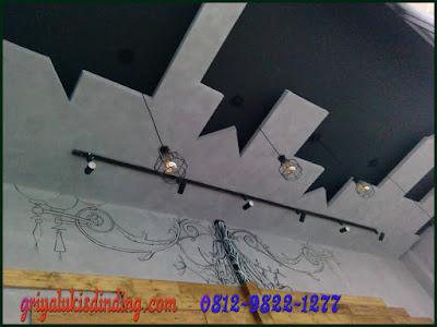 Contoh mural lukis dinding cafe keren dan unik