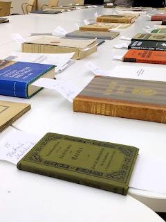 Vanhan Kirjan Talvi 2016 kirjahuutokaupan myyntiartikkeleja