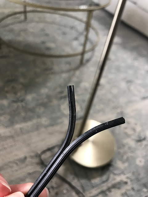 How to replace a plug on a lamp