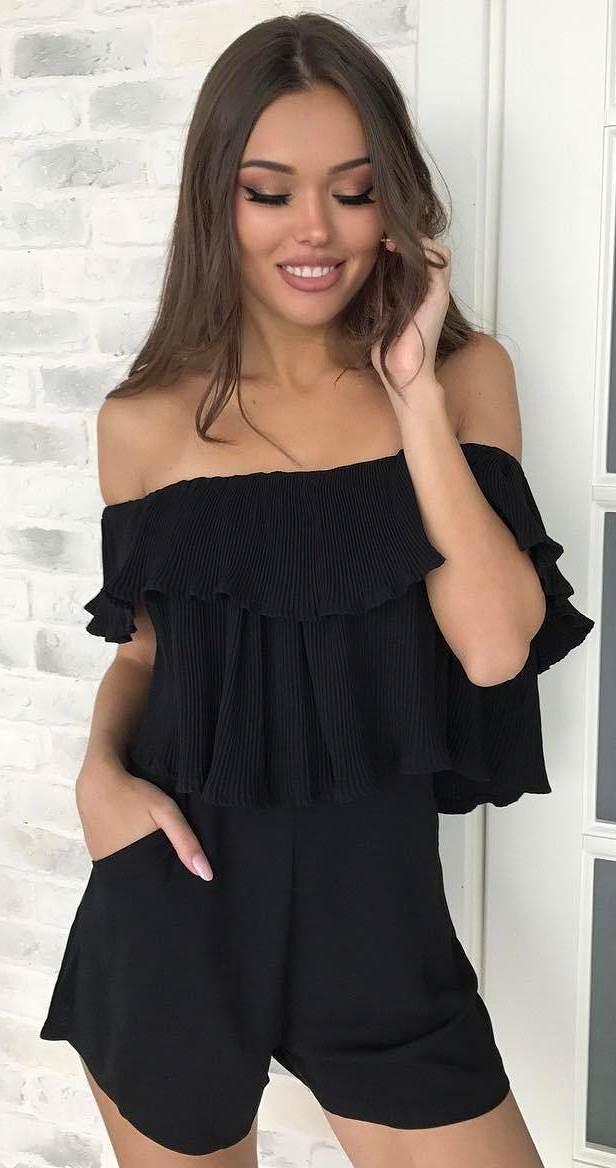 black fashion trend: off shoulder top + shorts