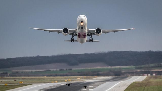 Tahukah Anda Usia Kehamilan Yang Aman Untuk Naik Pesawat?