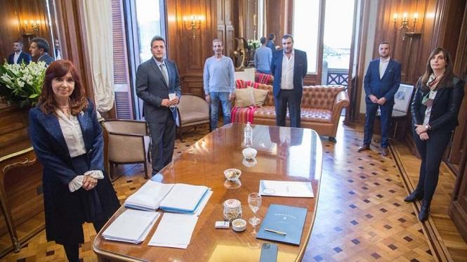 Cristina Kirchner y Massa firmaron un 40% de aumento para los empleados legislativos
