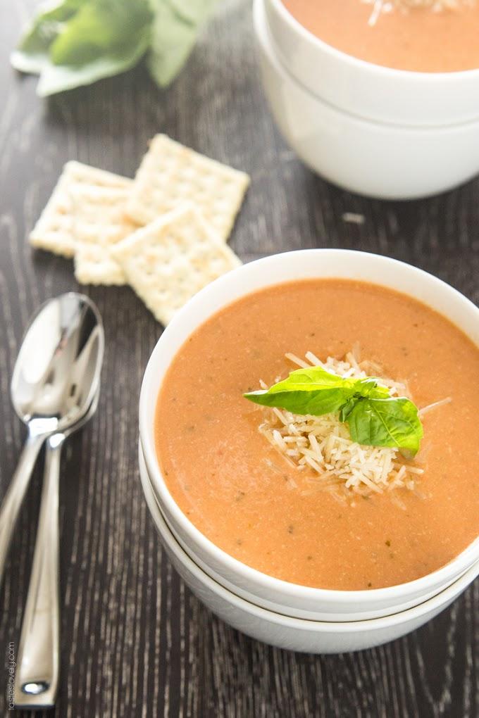 Creamy Tomato Basil Soup with Parmesan #parmesan #tomato #creamy #saoup #vegetarian