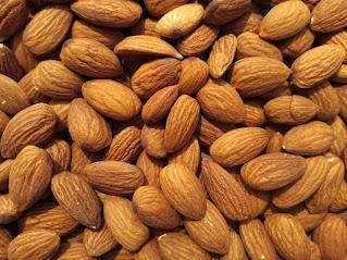 6 BENEFITS OF EATING ALMONDS(Badaam)